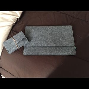 Accessories - NWOT laptop/tablet case w/ portable mouse case